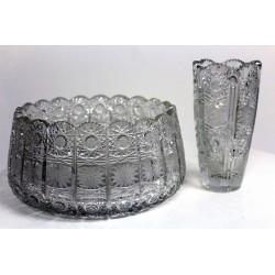 2 Gefäße aus böhmischem Bleikristall, feinster Schliff, um 1920
